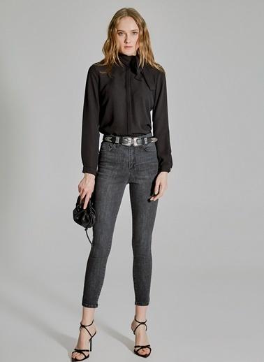 People By Fabrika Yaka Detaylı Gömlek Siyah